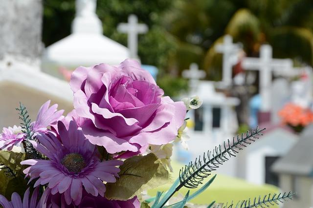 Le guide de l'organisation civile des obsèques d'un proche disparu