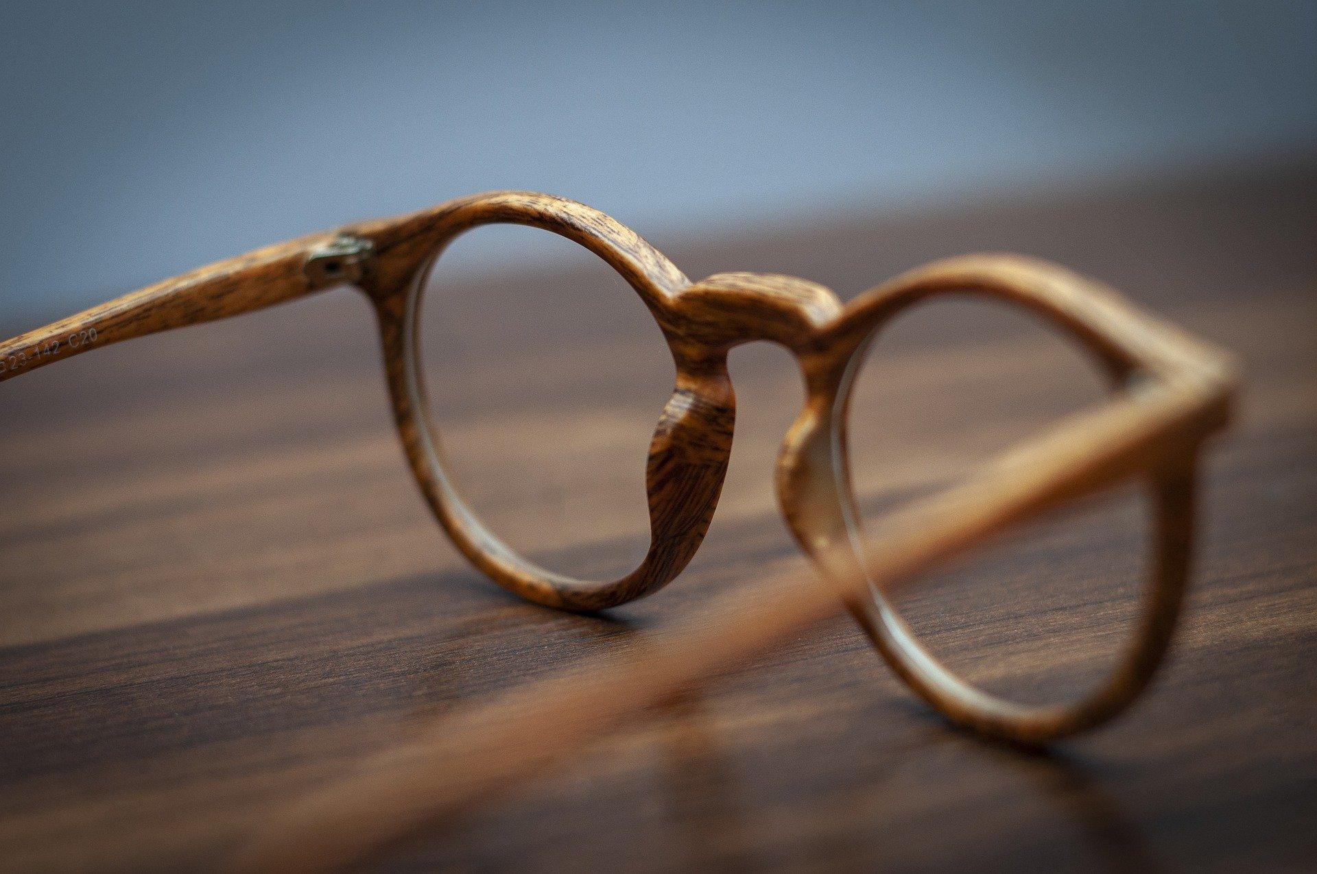 lunette-en-bois