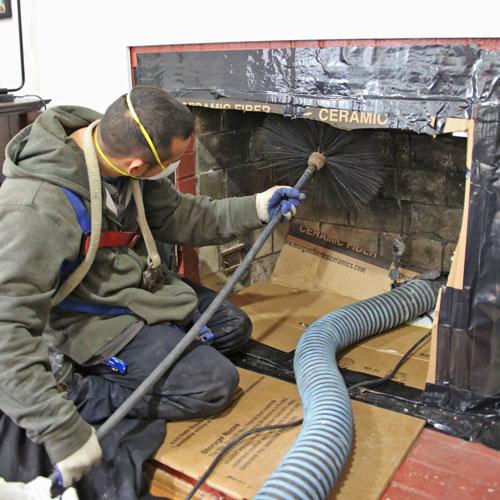 À quoi s'attendre lorsque vous faites ramoner votre cheminée?