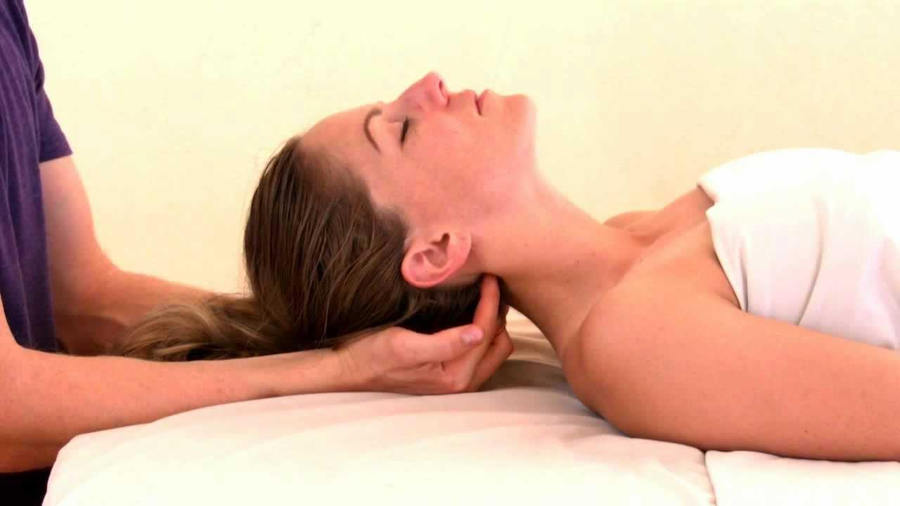 Le massage figure dans la liste des remèdes efficaces pour soulager les maux de tête. C'est notamment le cas si les douleurs